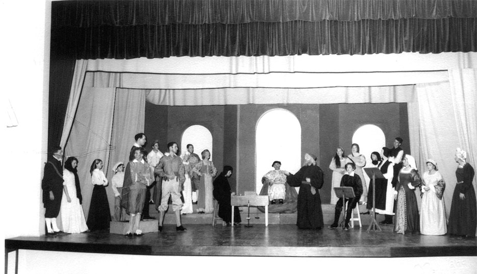 trial scene merchant of venice Summary the trial of antonio in a venetian court of justice begins the duke of venice warns antonio, the defendant, that the plaintiff (shylock) is a stony ad scene 1.